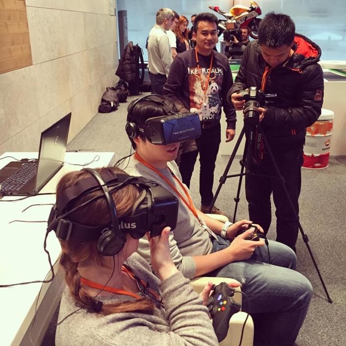 1-samsung-desarollo-aplicaciones- gafas-realidad-virtual-oculus-rift-two-reality-inmersiva-eventos