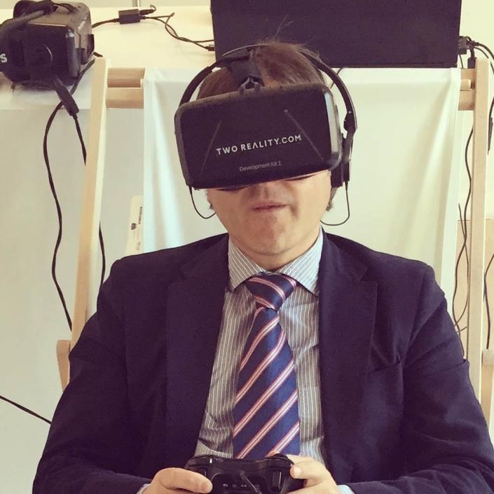 2-desarollo-aplicaciones- gafas-realidad-virtual-oculus-rift-two-reality-inmersiva-eventos